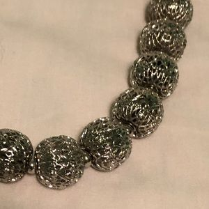 Stunning Silver Ball necklace vintage